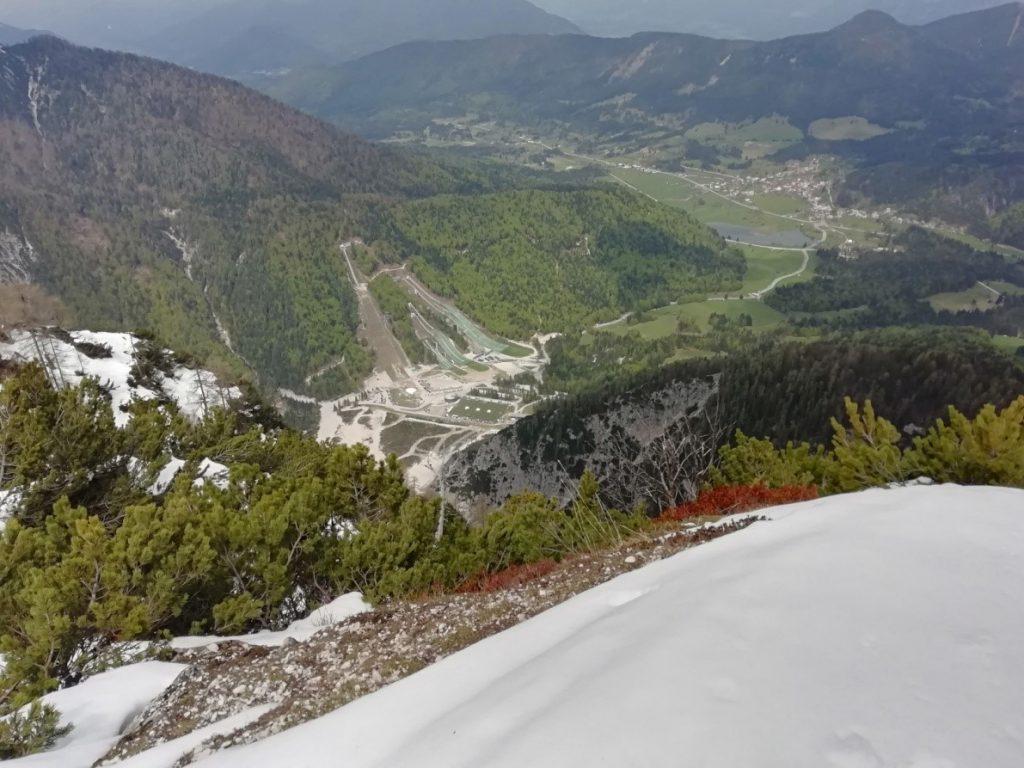 Pogled proti Kranjski Gori